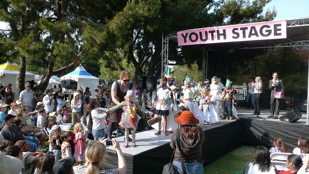 06 youth stage